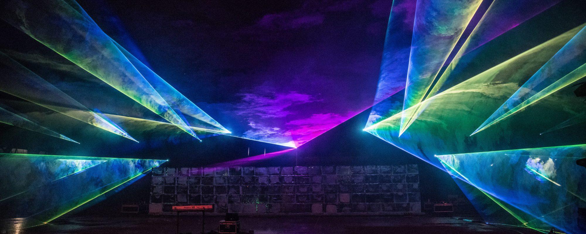 VELUX Event, 15m Eiswand, gebaut von 600 Mitarbeitern